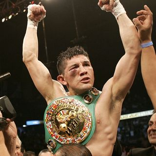 David Diaz former lightweight champion of the world!