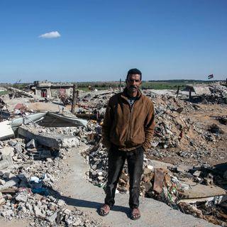 Gaza: tra fiori e tunnel