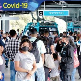 Línea 2 Cablebús, se desbordan las filas de usuarios para acceder al trasnporte eléctrico.
