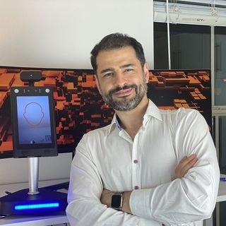 Pouya Hashemi of SpinTouch RapidScreen stops by #ConversationsLIVE