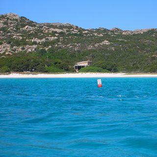 Sardegna, Budelli difende la sua sabbia