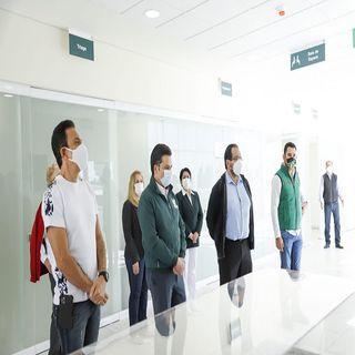 Zoé Robledo y gobernador Fayad supervisan hospital del IMSS en Pachuca