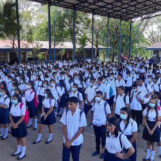 Casi 2 millones de estudiantes nicaragüenses regresan a clases en tiempo de pandemia
