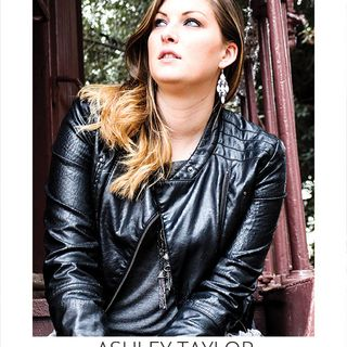 The pride of Bakersfield country singer Ashley Taylor is my very special guest on The Mike Wagner Show!