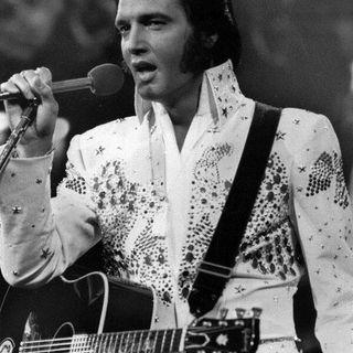 Homenaje a Elvis Presley en este Viernes de Pinshiii Paryyy!!!