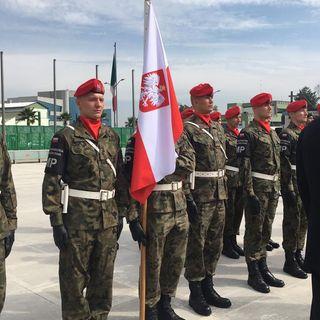 Llegan militares extranjeros que participarán en desfile