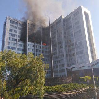 Se registra incendio en edificio de CONAGUA