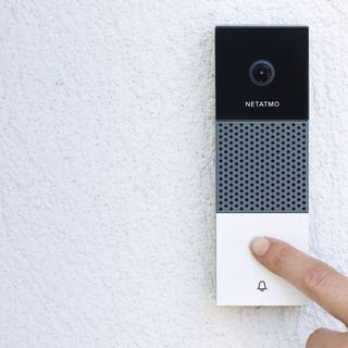 Wayne discusses Video Doorbells in his latest tech slot
