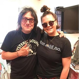 Robby Takac of Goo Goo Dolls on JessMessin Broadcast 1 Year Anniversary Episode!