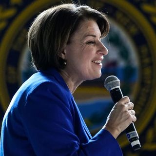 Amy Klobuchar will end 2020 presidential campaign and endorse Joe Biden