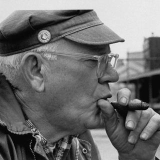 """Daily Hoffer: Eric Hoffer on """"Colleges Aren't for Kids"""""""