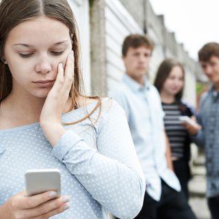 ¿Qué motiva a una adolescente a enviar fotografías o videos eróticos?, ¿cuáles son las posibles consecuencias?