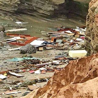 Sobreviven a naufragio 27 mexicanos en costa de San Diego