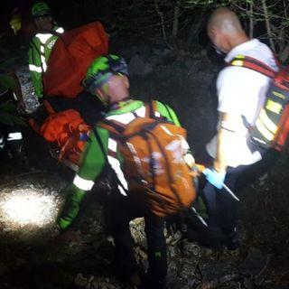 Scout sedicenne cade e si infortuna nella notte su un sentiero