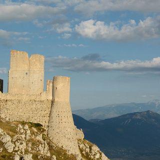 Meraviglie d'Abruzzo Rocca Calascio tra storia e curiosità