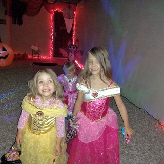 Ep. 38. Merry Merry Christmas And Halloween Song- The Princess Show, Children's Podcast.