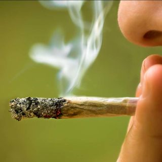 Mother Slammed for Admitting She Smokes Cannabis When Kids are Asleep