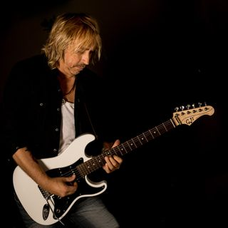 Big Blend Radio: Grammy winning guitarist Paul Nelson