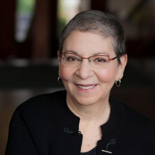 10 Minutes with George and Lizzie author Nancy Pearl
