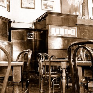 Bar Magenta, via Carducci 13