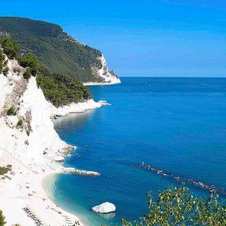 Vacanze e Turismo post Covid-19 - Con Gianluigi Tombolini - 03 Aprile 2020