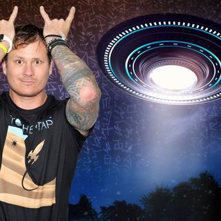 UFO Buster Radio News – 409: Choppa Says Elon's An Alien, Delonge's Pie In The Sky, and NUFORC Slammed With Reports