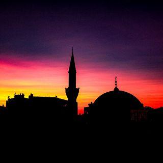 """3 fra le domande in assoluto più gettonate fra musulmani e non musulmani durante questo mese: """"cos'è il Ramadan?"""", """"perchè potete nemmeno be"""