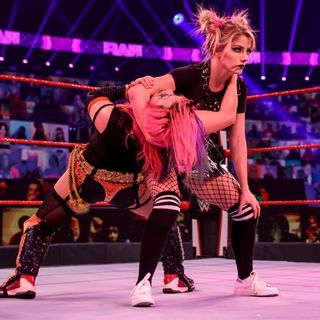 WWE RAW Review: Alexa Bliss Transforms ll Charlotte Flair Beats Royce ll McIntyre & Goldberg Announced For Next Week ll Preview of the Royal