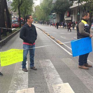 Padres de niños con cáncer bloquean Reforma