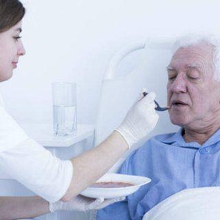 Ruolo dell'Oss nell'alimentazione del paziente con disfagia