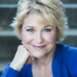 CHRISTMAS MUVIES SPOTLIGHT SPECIAL EDITION WITH ACTRESS & PRODUCER DEE WALLACE