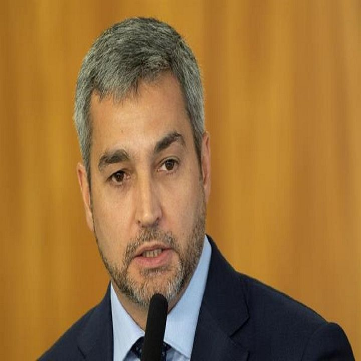 Presidente de Paraguay pide la dimensión de todos los ministros de su gobierno