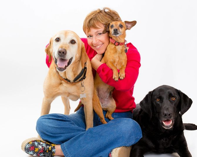 #269 - Liz Murdoch, Animal Communicator, host of podcast Talking with the dogs!™