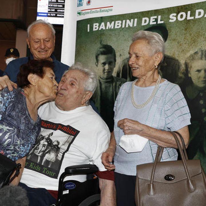 A Bologna il soldato Adler, e spunta un altro 'bambino'
