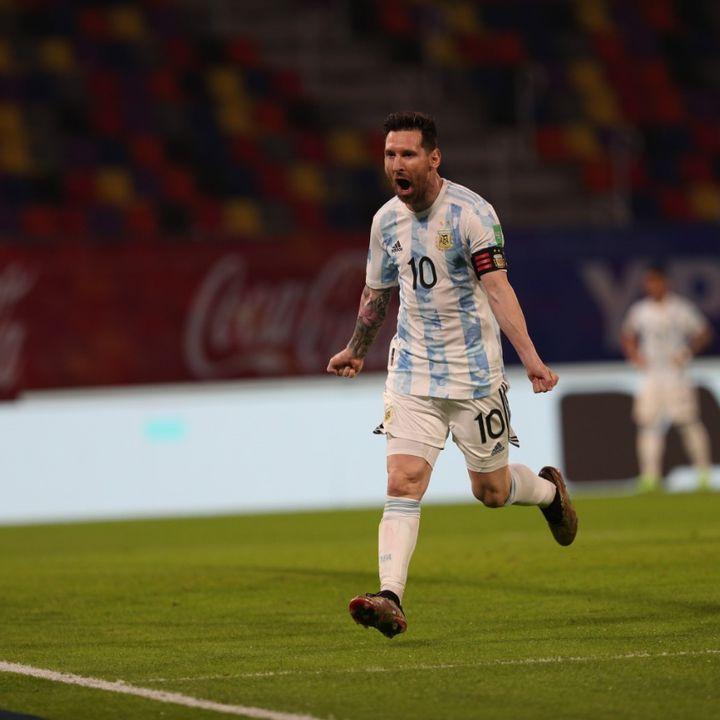 Gol de Argentina: Lionel Messi (de penal) 1-0