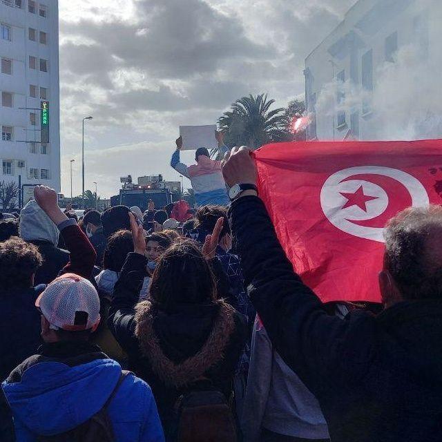 """""""Tout le monde déteste la police"""": le proteste in Tunisia - Episodio 3"""