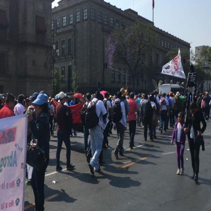 Avanza marcha de la CNTE a San Lázaro