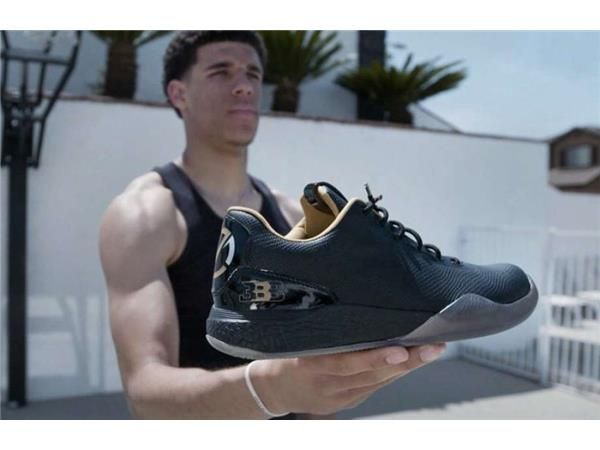 Lavar Ball releases 1st sneaker!! NY Mets suspend SP Matt Harvey!!