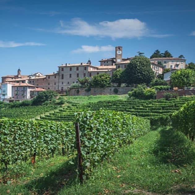 Neive: l'antico borgo medievale del Piemonte eletto tra i più belli d'Italia