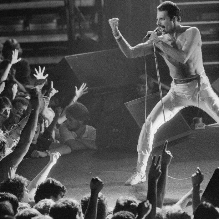 Queen-Killer Queen&I'm in Love with my Car(Live Rock Montreal)