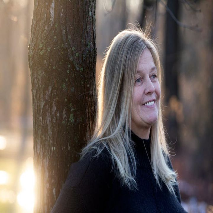 Episode 10 - Nikki Tierney (Recovery Radio) Pt.1