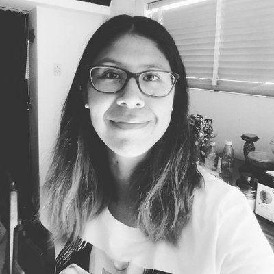 Conversación - Juliane Ángeles Hernández