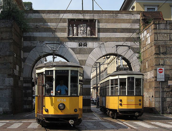 Il 24 e la 90. Perché a Milano gli autobus sono femminili e i tram maschili?