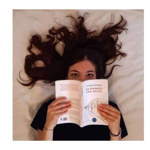 """""""Un binario alla volta"""": un libro dalla stazione alla vita"""