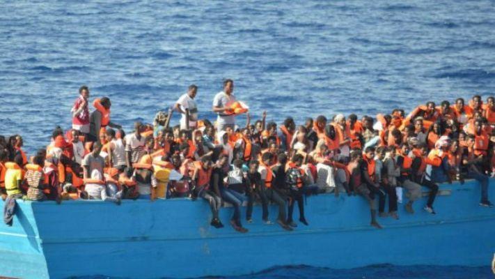 Migranti a Lampedusa, continua l'emergenza. Salvini attacca: denuncio l'Esecutivo