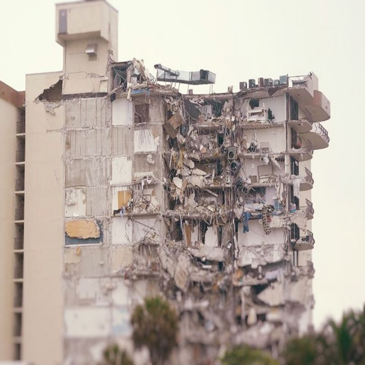 U.S.A : Miami Apartment Building Collapses, 99 People Remain Missing.