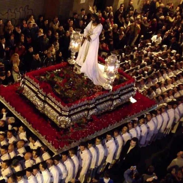 52 - A Siviglia rivive la Passione del Signore
