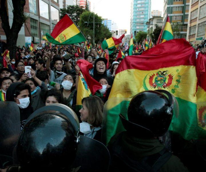 Bolivia se enciende. La crisis política se agudiza.