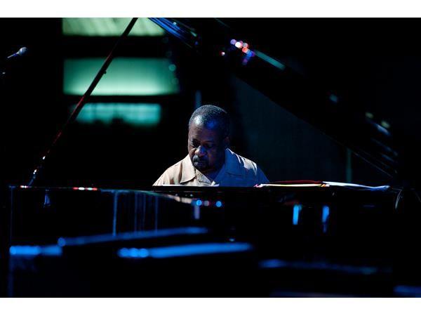 Onaje Allan Gumbs - Bloodlife: Solo Piano Improvisations