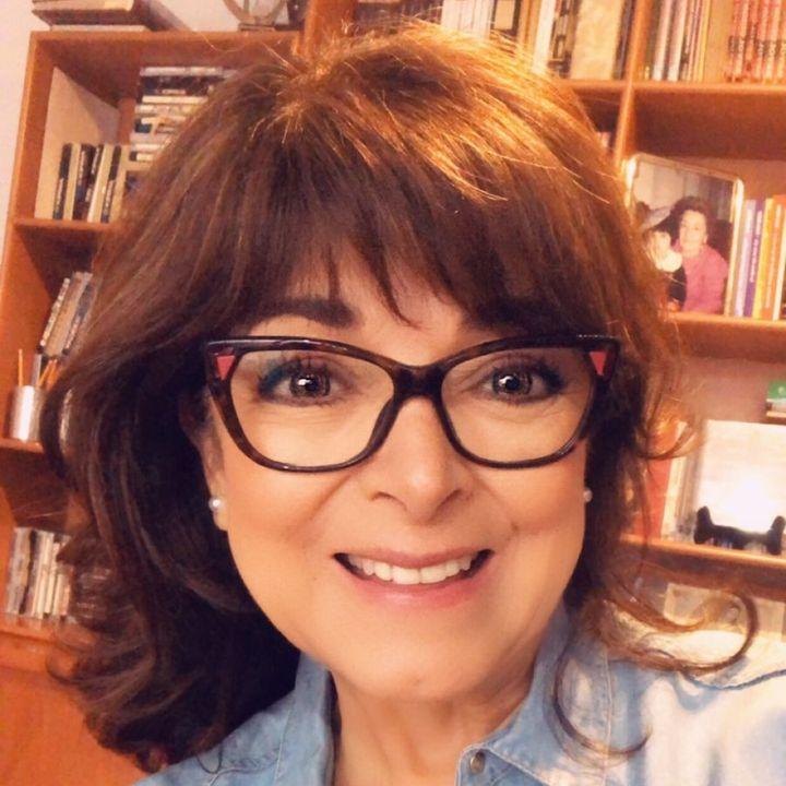"""Bárbara Tijerina, Maestra en lenguaje corporal, con el tema: """"Lenguaje no verbal digital""""."""